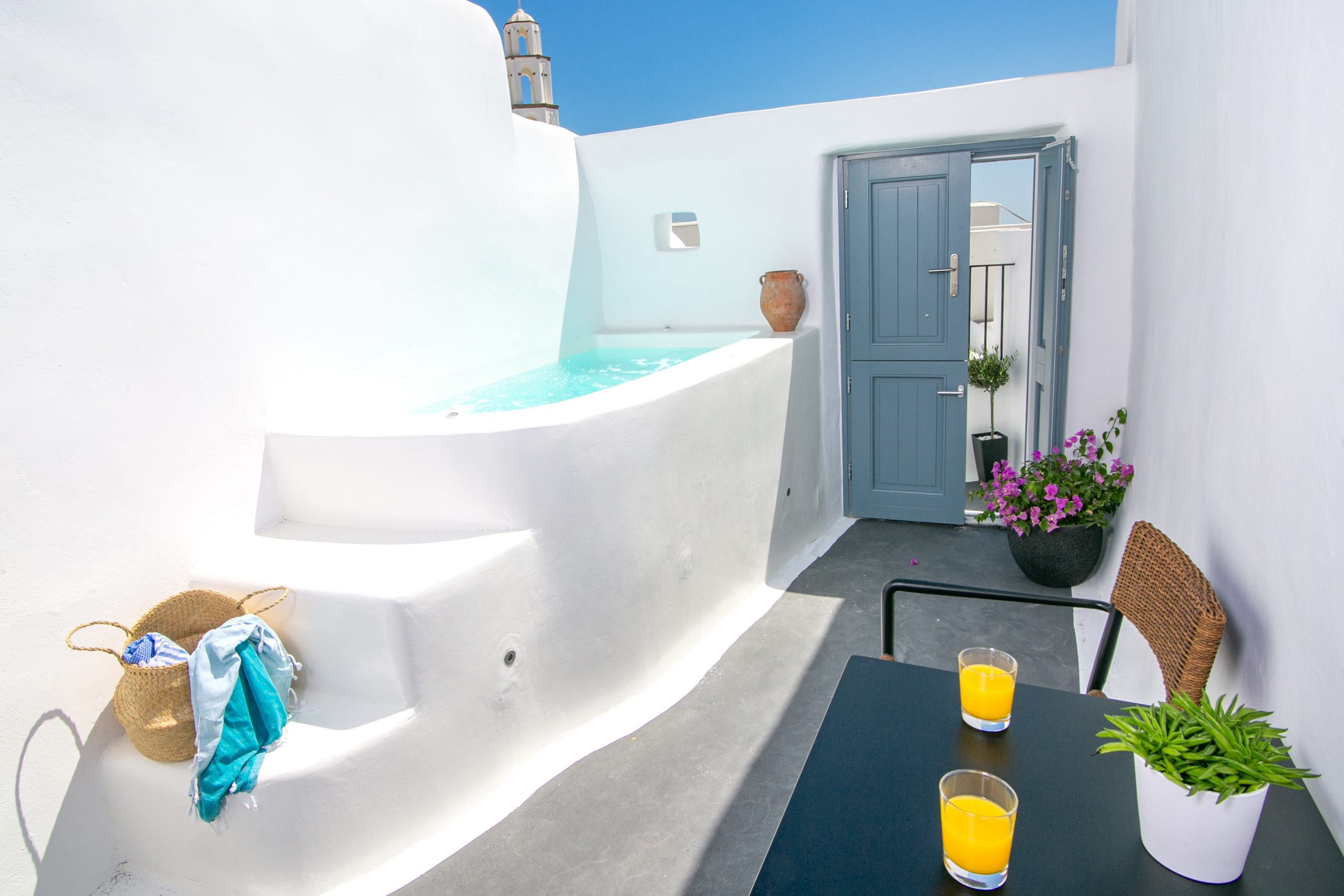 Stay in a Luxury Santorini Cave Villa for the Ultimate Authentic Experience